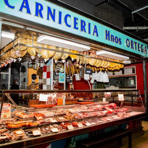mercado de san Fernando carniceria hermanos Ortega carne para barbacoas mercado de abastos sitos de carne Madrid carne primera calidad carne a buen precio