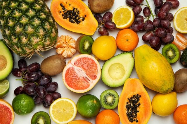 frutas de temporada mercado de san Fernando frutería mercado de san Fernando frutería Abascal Olmedo frutas de julio frutas buena calidad